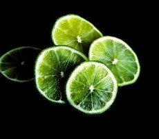 lime-isotated-in-black-background-1427460-m